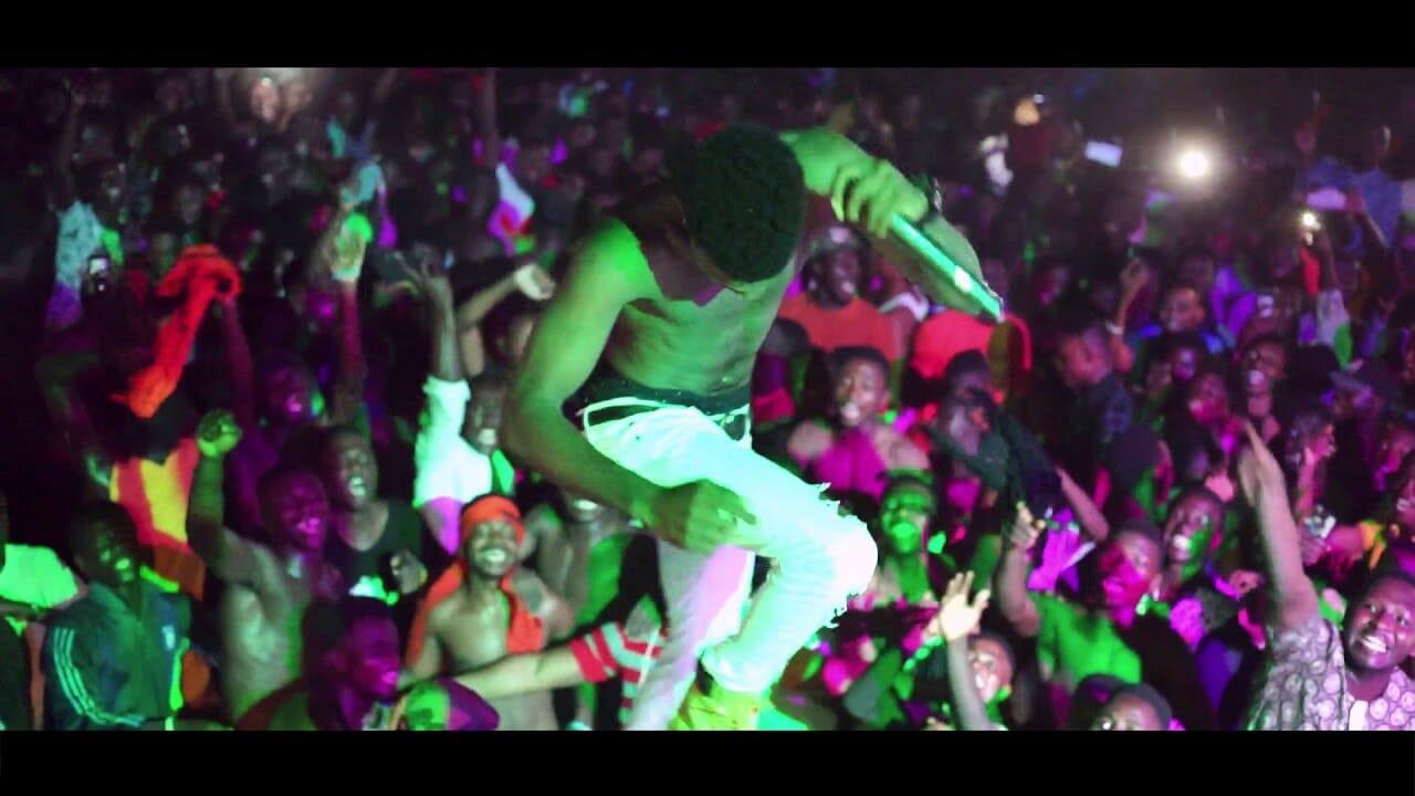 Photo of Watch:Kofi Kinaata Performs his Latest hit Single ( PLAY ) At UCC