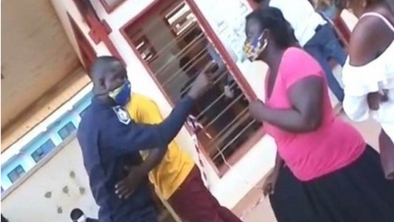 VIDEO: Police officer slaps woman at voters' registration