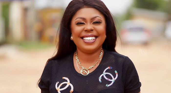 Photo of Video : Afia Schwarzenegger Finally Reacts To Her Plastic Surgery B00bs Rumours