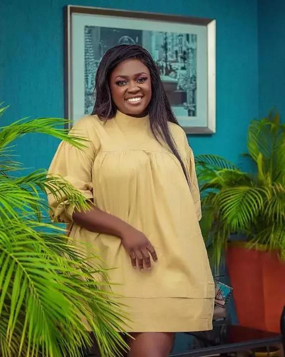 Photo of Amazing, See the Exciting Life of Tracey Boakye after Mahama bought her a house