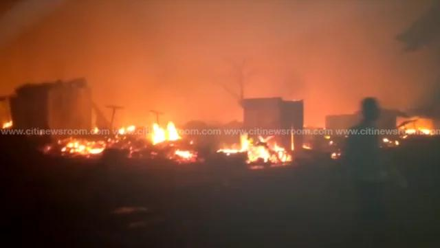 Photo of Today News: Fire Burned at Odawna market near the Kwame Nkrumah Interchange